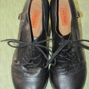 Miz Mooz Lace Up Black Shoes Size 38 7.5  Heels 7